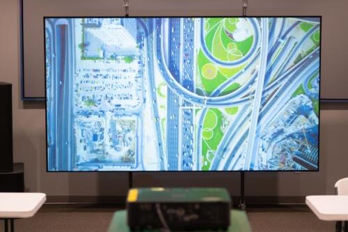 Epson ProLite 615U Projector with Black Diamond