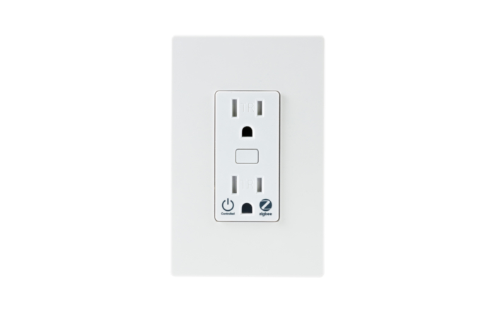 Smart Outlet with Switch Plate